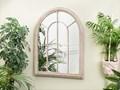 Lustro ścienne wiszące beżowe 69 x 88 cm w kształcie okna salon przedpokój Nieregularne Lustro z ramą Pomieszczenie Sypialnia