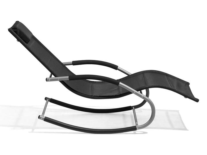 Leżak ogrodowy czarny bujany ogrodowy na płozach z poduszką zagłówkiem Kategoria Leżaki ogrodowe Metal Leżanki Bujane Styl Nowoczesny