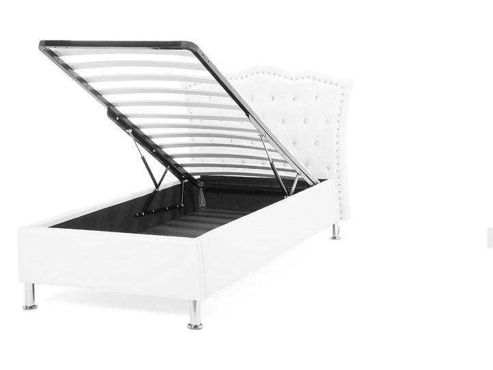 Łóżko białe ekoskóra 90 x 200 cm z pojemnikiem i stelażem ozdobne wezgłowie z kryształkami i ćwiekami Łóżko tapicerowane Kolor Biały