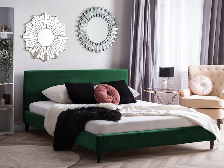 Łóżko zielone welurowe 180 x 200 cm ze stelażem i zagłówkiem Kolor Czarny Łóżko tapicerowane Kategoria Łóżka do sypialni