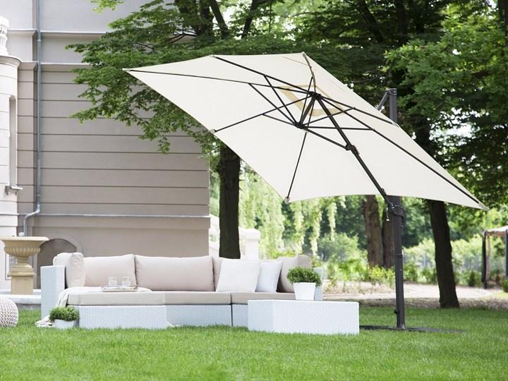 Parasol ogrodowy jasnobeżowy na wysięgniku 250 x 250 cm podwieszany ciemnoszara aluminiowa rama Kolor Szary Kategoria Parasole ogrodowe
