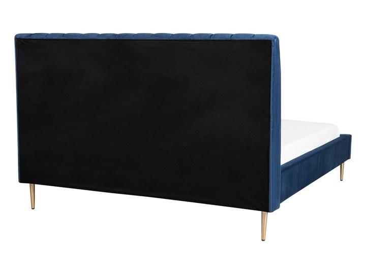Łóżko ze stelażem niebieskie tapicerowane welurem złote nóżki 160 x 200 cm wysokie wezgłowie retro design Łóżko tapicerowane Kategoria Łóżka do sypialni