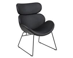 Fotel Cazar to profilowane siedzisko zapewniające komfortowy odpoczynek.