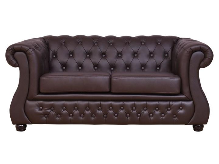 2 osobowa sofa Chester Lux, brązowa, skóra Głębokość 85 cm Szerokość 163 cm Typ Pikowane Chesterfield Kolor Szary