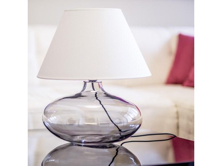 Klasyczna lampka stołowa Stockholm ze szkła Wysokość 47 cm Wysokość 22 cm Styl Nowoczesny Lampa z abażurem Lampa nocna Kategoria Lampy stołowe