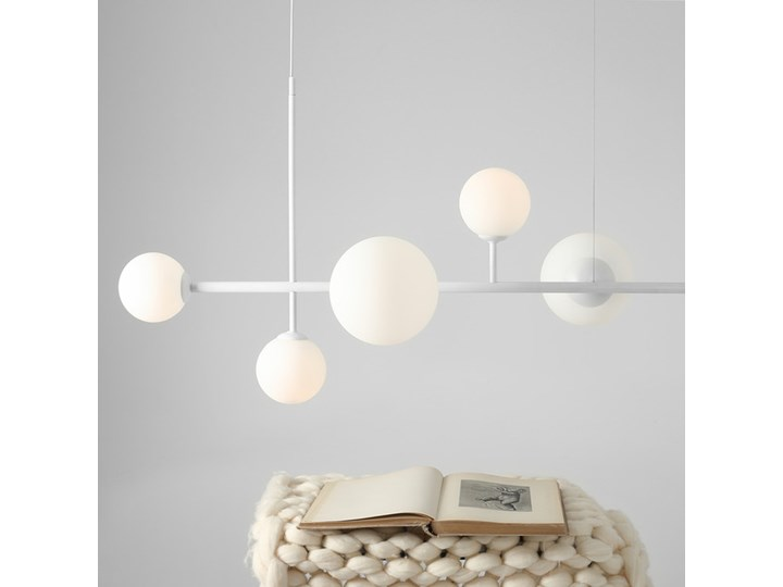 Żyrandol ze szklanymi kulami Floki Czarny Lampa z kloszem Metal Szkło Styl Nowoczesny Kolor Biały