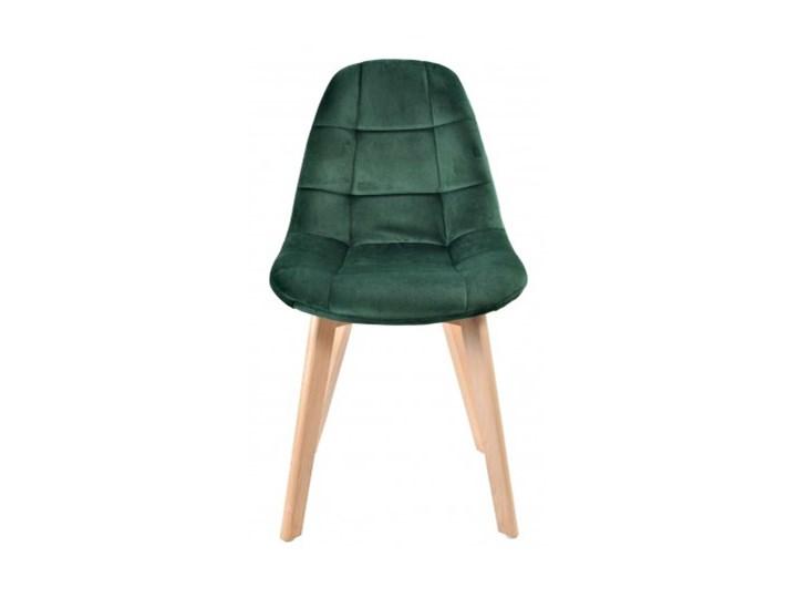Krzesło aksamitne K-Austin dsw welur ciemno zielony Tkanina Wysokość 50 cm Drewno Pomieszczenie Jadalnia Tapicerowane Pikowane Głębokość 38 cm Wysokość 83 cm Szerokość 45 cm Styl Skandynawski