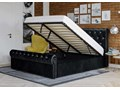 ŁÓŻKO 160X200 Z POJEMNIKIEM - PISA (1298G) - WELUR CZARNE + KRYSZTAŁKI Łóżko tapicerowane Kolor Czarny Kategoria Łóżka do sypialni