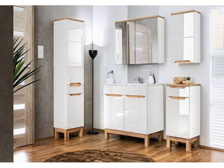 Słupek łazienkowy z koszem Marsylia 7X - Biały połysk Wysokość 187 cm Szerokość 35 cm Stojące Kategoria Szafki stojące Kolor Beżowy