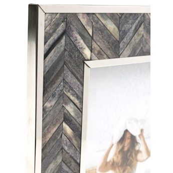 Ramka na zdjęcia Chevron 21x26 cm szara