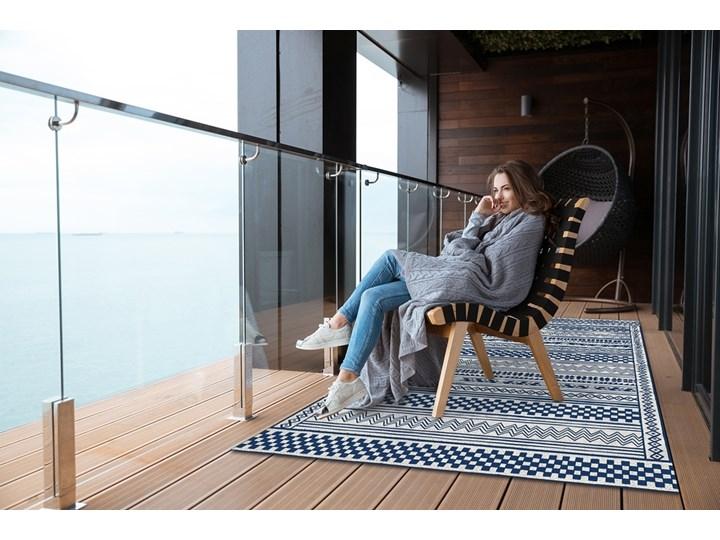 Nowoczesny dywan tarasowy Geometryczny szlaczek Winyl 60x90 cm Prostokątny Pomieszczenie Przedpokój Dywany 80x120 cm Kolor Granatowy