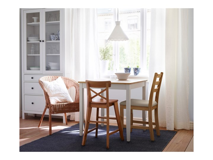 IKEA LERHAMN Stół i 2 krzesła, bejca jasna patyna biała bejca/Vittaryd beżowy, 74x74 cm Pomieszczenie Jadalnia