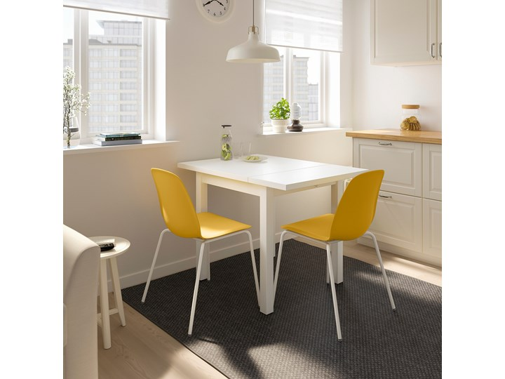 IKEA NORDVIKEN / LEIFARNE Stół i 2 krzesła, biały/Broringe ciemnożółty, 74/104x74 cm Kategoria Stoły z krzesłami Pomieszczenie Jadalnia