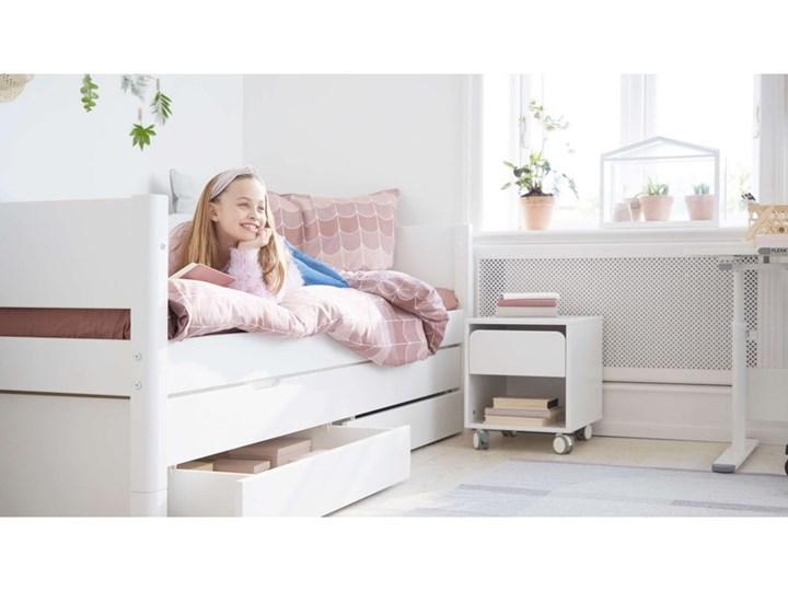 Białe dziecięce łóżko z dodatkowym wysuwanym łóżkiem i szufladą Flexa White Tradycyjne Drewno Kategoria Łóżka dla dzieci Płyta MDF Rozmiar materaca 90x200 cm