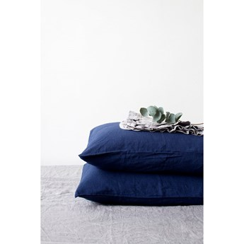 Granatowa lniana poszewka na poduszkę Linen Tales, 70x90 cm