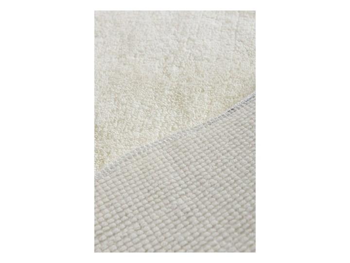 Jasnobeżowy dywanik łazienkowy Confetti Bathmaths Cloud, 70x110 cm Nieregularny Kategoria Dywaniki łazienkowe Kolor Biały