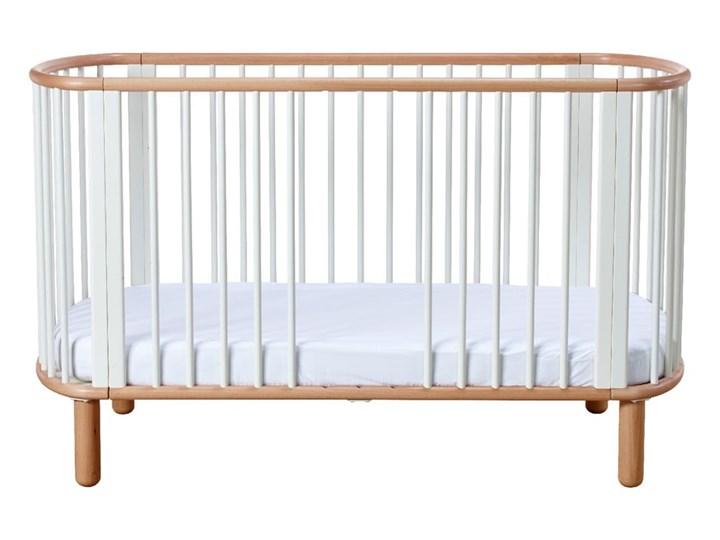 Białe łóżeczko dziecięce z drewna bukowego Flexa Baby, 70x140 cm Kolor Biały Łóżeczka drewniane Drewno Kategoria