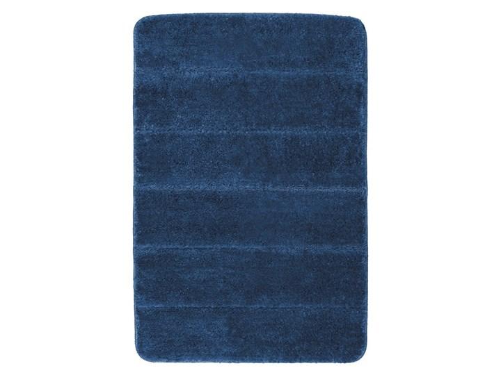 Ciemnoniebieski dywanik łazienkowy Wenko Steps, 90x60 cm Prostokątny 60x90 cm Kategoria Dywaniki łazienkowe