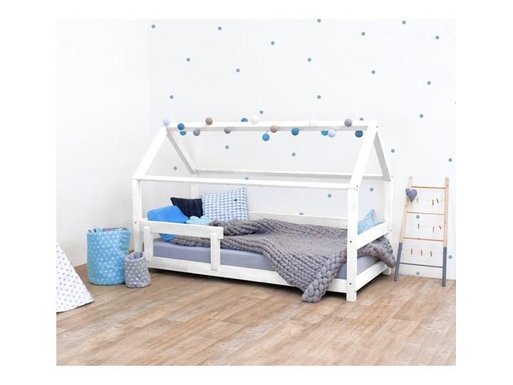 Białe łóżko dziecięce z bokami z naturalnego drewna świerkowego Benlemi Tery, 90x200 cm Domki Kolor Biały Drewno Kategoria Łóżka dla dzieci