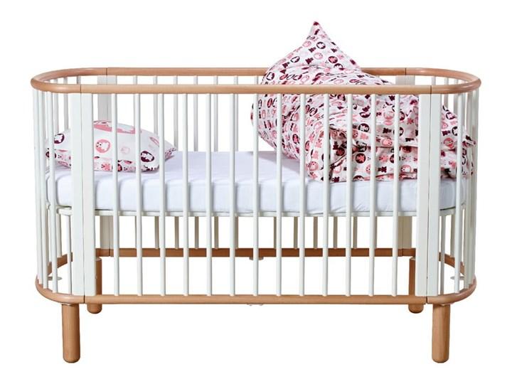 Białe łóżeczko dziecięce z drewna bukowego Flexa Baby, 70x140 cm Łóżeczka drewniane Drewno Kolor Biały