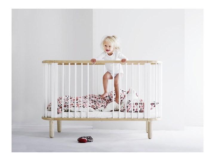 Białe łóżeczko dziecięce z drewna bukowego Flexa Baby, 70x140 cm Drewno Kolor Biały Łóżeczka drewniane Kategoria
