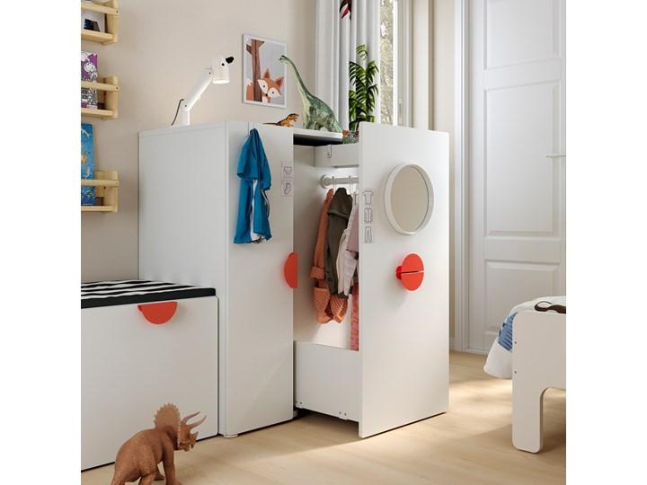 IKEA SMÅSTAD Szafa z elementem wysuwanym, biały, 80x57x108 cm Szerokość 80 cm Głębokość 57 cm Płyta laminowana Kategoria Szafy do garderoby