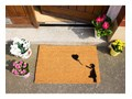 Wycieraczka z naturalnego włókna kokosowego Artsy Doormats Girl with a Balloon Graffiti, 40x60 cm Kategoria Wycieraczki Włókno kokosowe Kolor Czarny