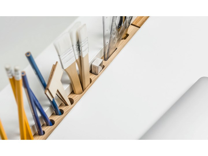 Biurko 140 Głębokość 65 cm Szerokość 140 cm Metal Drewno Kategoria Biurka Biurko tradycyjne Styl Nowoczesny